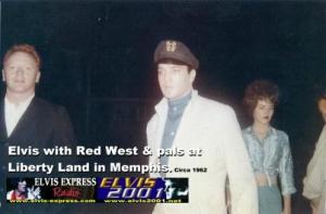 1962_Elvis_at_Memphis_Fairgrounds-498x328