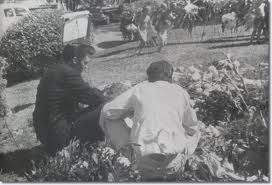 Elvis at his mother's grave