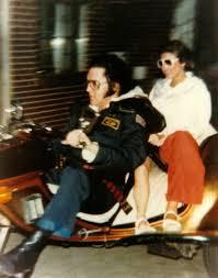 Elvis Lisa and Ginger trike