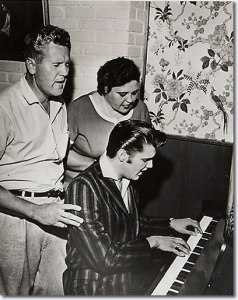 1956-june-17-elvis-vernon-gladys-audubon
