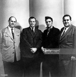 74144635-elvis-presley-with-colonel-tom-parker-eddy-gettyimages