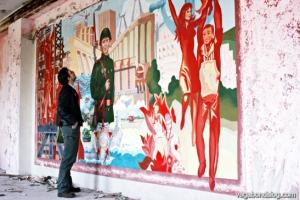 The urban explorer as art connoisseur. (Photo: K. S.)