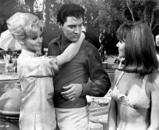 Elvis Presley with Diane McBain (left) and Shelley Fabares in the 1966 movie,