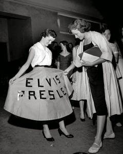 Elvis-fans-ca.-1950s