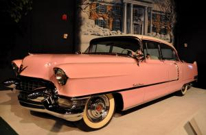 Graceland-Elvis-Auto-Museum-Pink-Cadillac-Gladys-Car-Memphis-TN-2012-09-24_1200x791