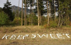Creston, B.C.- 08/03/04- On a ridge above the Bountiful comminity, painted white stones with the reminder...KEEP SWEET. Ian Smith/Vancouver Sun [PNG Merlin Archive]