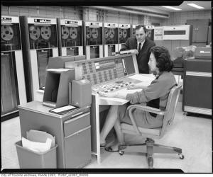 2011922-computer-room-1970s-f1257_s1057_it9220