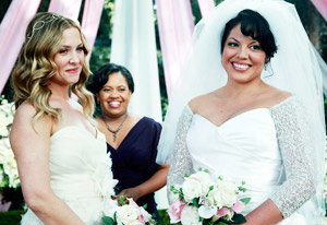 first_picture_of_grey_s_anatomy_lesbian_wedding