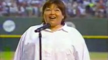 ht_roseanne_barr_national_anthem_screengrab_thg-130703_16x9_992