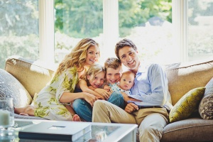 trudeau-family-photo-portrait-couch