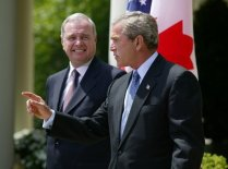 President_George_W._Bush_and_Canadian_Prime_Minister_Paul_Martin_2004