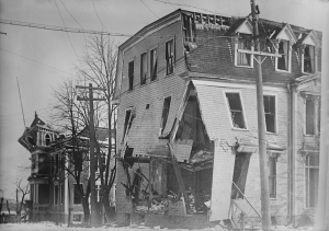 Halifax_Explosion_Aftermath_LOC_1_-_retouched