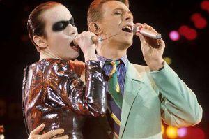 David_Bowie_Annie_Lennox_FM_Tribute_Concert-557883094