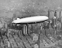 Hindenburg_over_New_York_1937