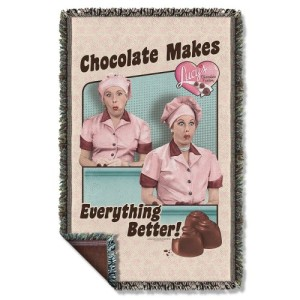 i-love-lucy-friends-and-chocolate-woven-throw-blanket-020_500