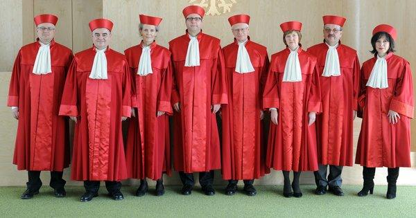Gruppenfoto Zweiter Senat Bundesverfassungsgericht Karlsruhe