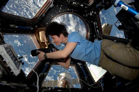 women-in-space_c2