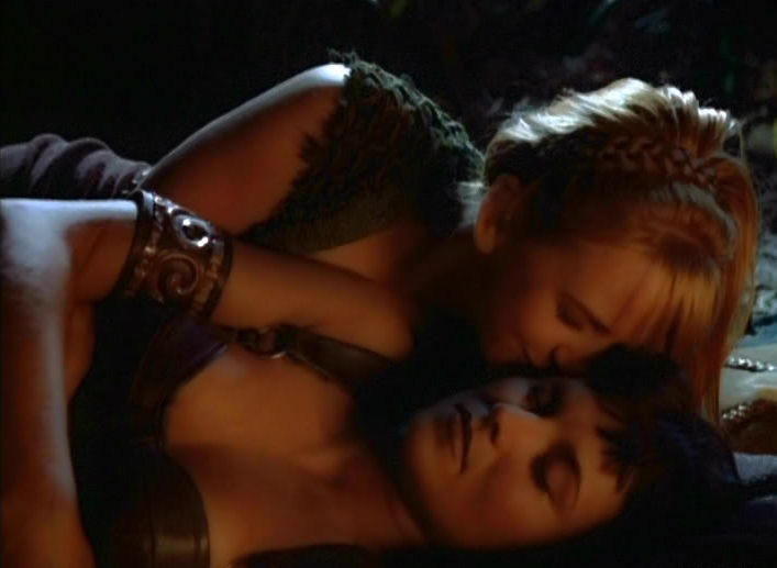 Xena and gabrielle crucified naked really
