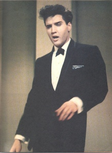 Elvis-on-stage-at-Frank-Sinatra-show-1960-elvis-presley-9207300-364-500